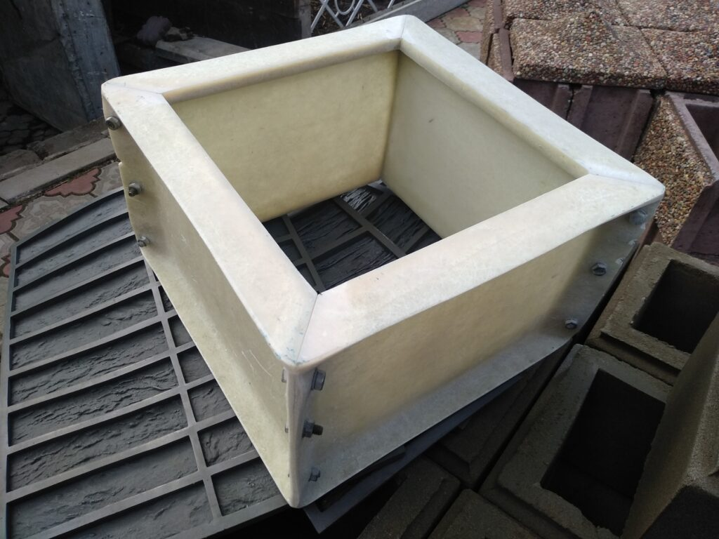 форма наборного столба 30х30х20 см с фаской