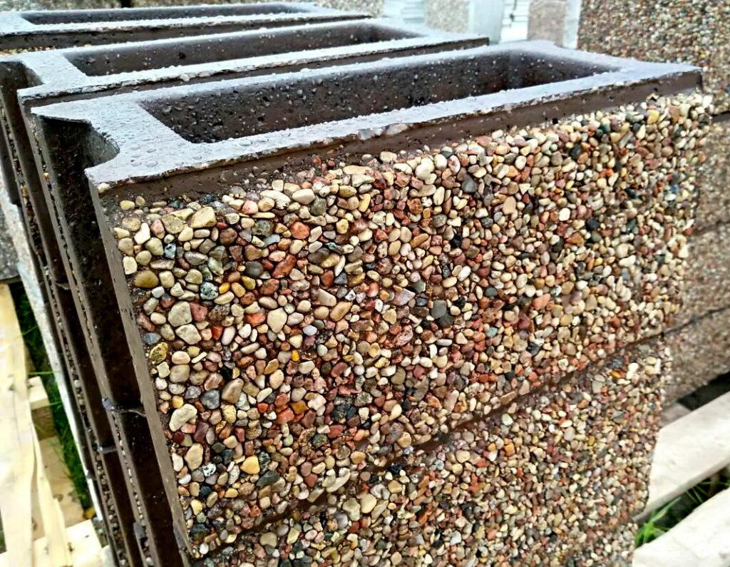 блок ряда с фаской под мытый бетон