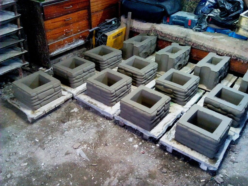 изготовление блоков забора галька