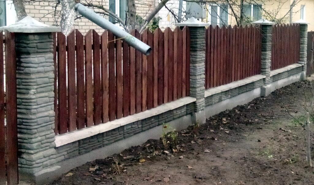 забор галька