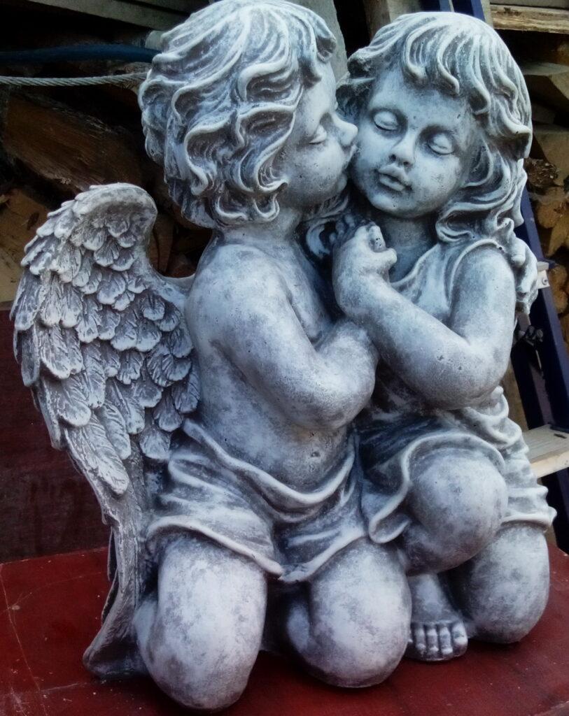 девочка с ангелом